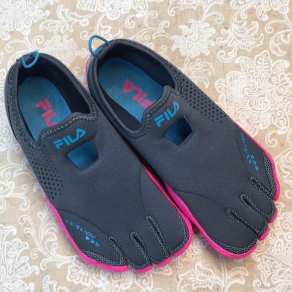 Fila SkeleToes EZ Slide Running Shoes